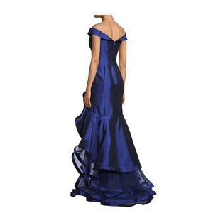 Excellent condition Mac Duggal dress, size 4.